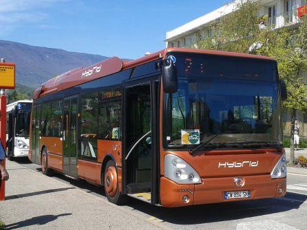 Bus hybride Iveco en essai sur le réseau STAC