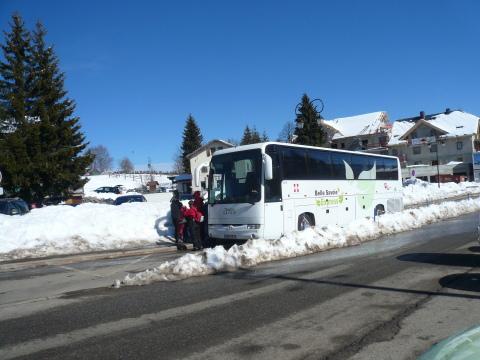 L'arrêt des bus à la Féclaz (2011)